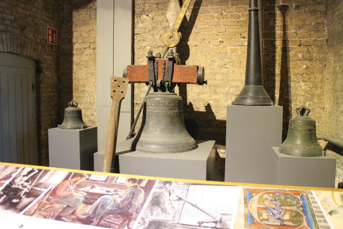 ブルージュ鐘楼の中には、鐘楼の歴史や鐘の展示も