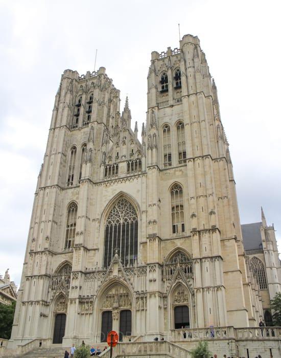 ブリュッセル聖ミカエルと聖デュル大聖堂外観