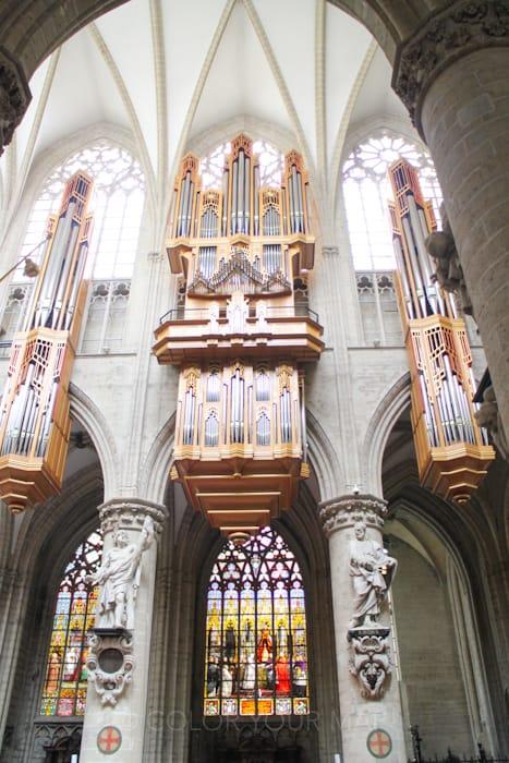 ブリュッセル聖ミカエルと聖デュル大聖堂のパイプオルガン