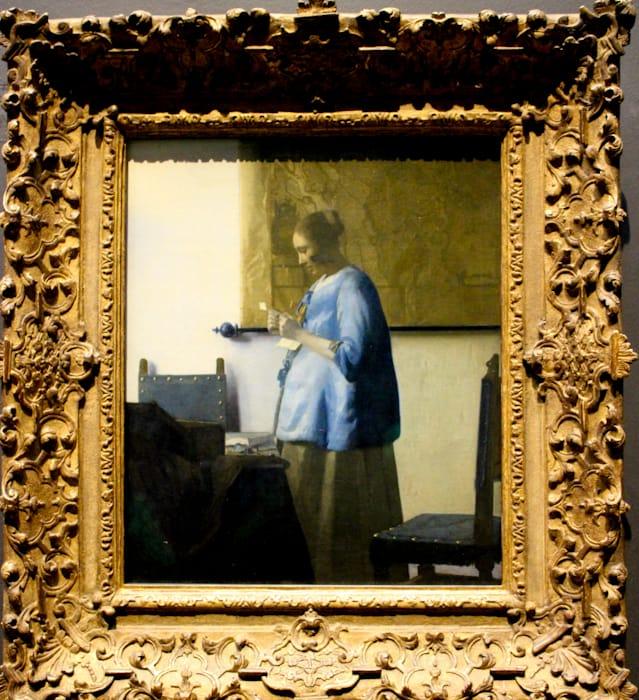 アムステルダム国立美術館所蔵のフェルメール手紙を読む青衣の女