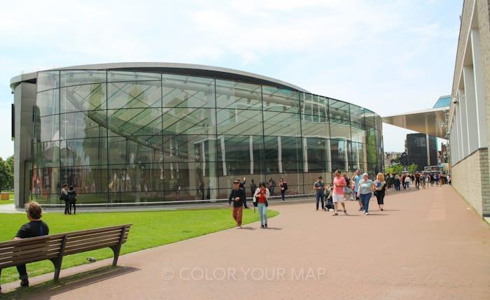 アムステルダムゴッホ美術館外観