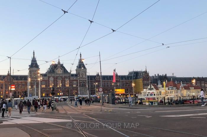 アートテルアムステルダム近くのアムステルダム中央駅