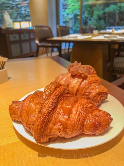 ザリッツカールトン京都の朝食ピエールエルメのクロワッサン