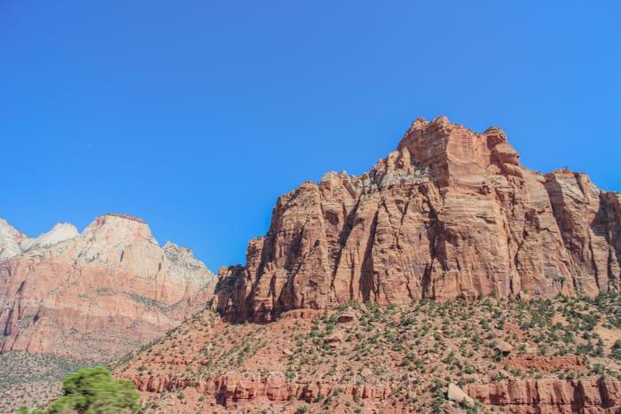 ザイオン国立公園の巨大な岩