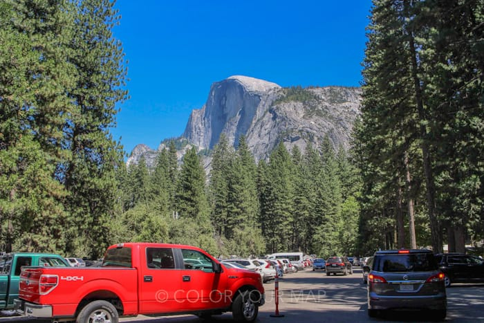 夏のヨセミテ国立公園では駐車場の確保に一苦労