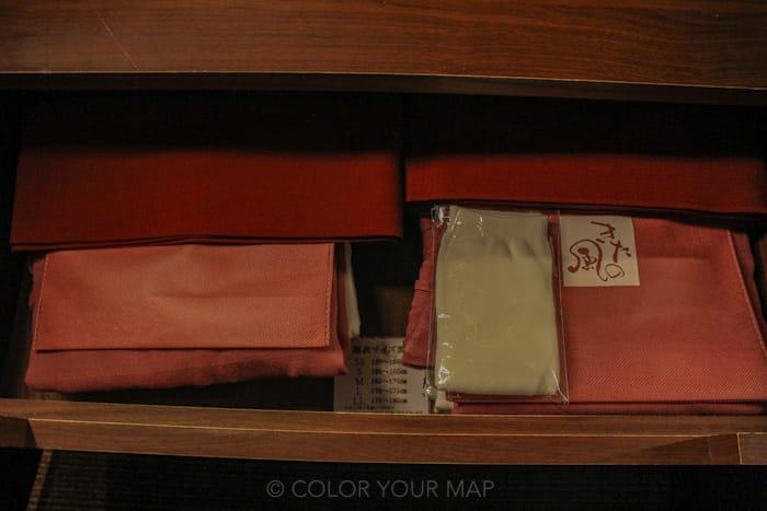 きたの風茶寮の作務衣は館内着としても着用可