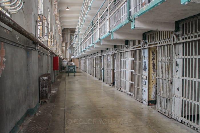 アルカトラズ刑務所のオーディオガイドの説明は、丁寧で臨場感もあり、観光客から大好評