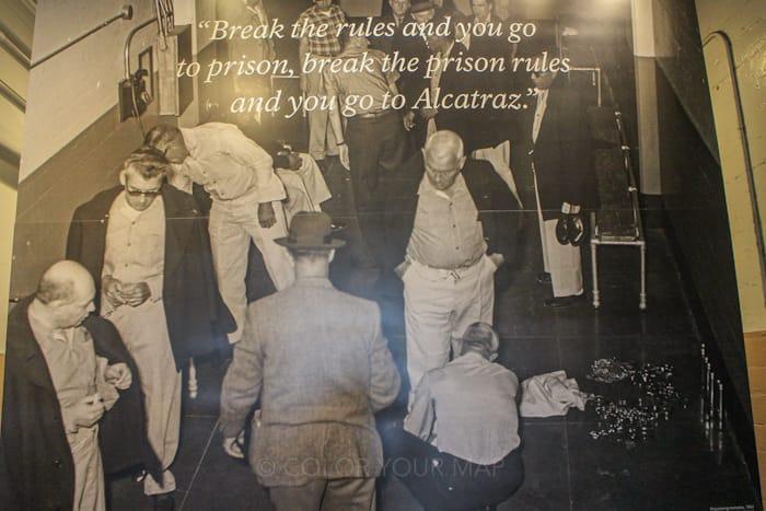 アルカトラズ刑務所には、他の刑務所で問題を起こした囚人が移送されてくることも