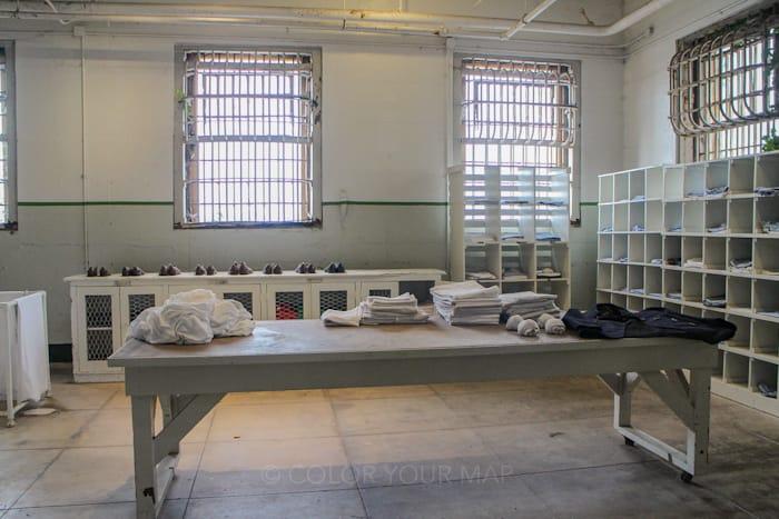 アルカトラズ刑務所ではオーディオガイドの案内に従って観光